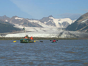 Copper River (Alaska) - Image: Copper River Alaska with river rafters