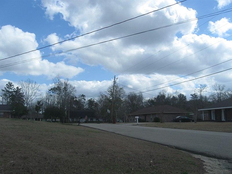 File:Corner of Stemwood Drive and Highland Drive - panoramio.jpg