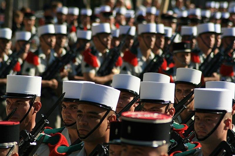 File:Défilé de la Légion à Orange pour ses 40 ans de garnison.jpg