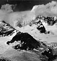 Dalls Glacier, source of valley glacier with firn line, August 23, 1960 (GLACIERS 7177).jpg