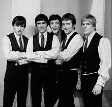 The Dave Clark Five durante la loro esibizione al The Ed Sullivan Show in 1966