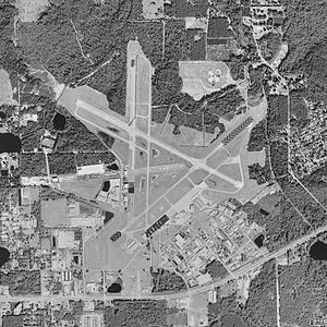 DeLand Municipal Airport - USGS 1999 orthophoto
