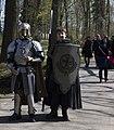 De ridder met zijn vazal, Elfia 2013 Haarzuilens (8675685858).jpg