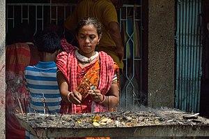 Dhupa - Image: Devotee with Incense Panchananda Mandir Narna Howrah 2014 04 14 0294