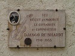 Photo of Django Reinhardt white plaque