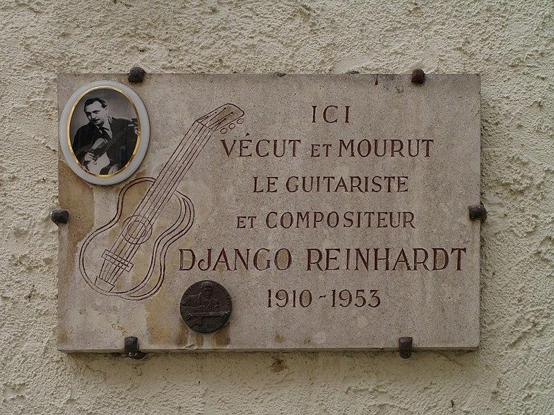 Ficheiro:Django Reinhardt Plaque Samois.JPG