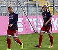 Dominika Škorvánková und Mandy Islacker beim Aufwaermen BL FCB gg. 1. FC Koeln Muenchen-1.jpg