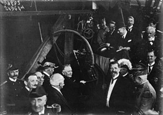 Redoutable-class submarine (1928) - French President Gaston Doumergue lays the first rivet of Redoutable on 17 July 1925 at Cherbourg, in the presence of military and civilian personnel.