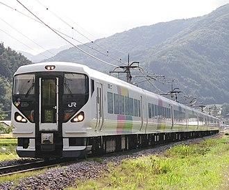 Shinonoi Line - E257 series EMU on a Rapid service between Nagano and Matsumoto in April 2008