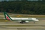EI-RDE Embraer ERJ175 STD (170-200) E75S - CYL (29878705231).jpg