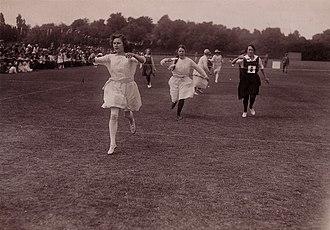 Egg-and-spoon race - Parents' race, c.1920; vintage postcard by Barratt's Photo Press of Fleet Street
