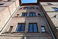 Eichenstraße Arbeiterwohnhäuser Fassade oberhalb Eingang 13.jpg