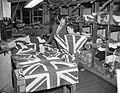 Engelse vlaggenproduktie ivm het aanstaand Engels Koninklijk bezoek, Bestanddeelnr 909-3081.jpg