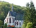 Enkirch - die kath. Pfarrkirche St. Franziskus war früher eine Wallfahrts- und Klosterkirche - panoramio.jpg