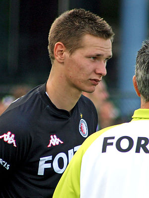 Erwin Mulder - Mulder listening to the coach in training at Feyenoord.