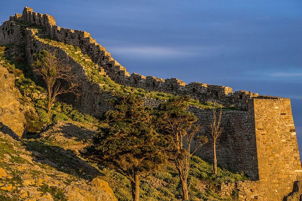 Escalating walls