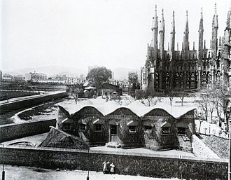 Sagrada Família Schools - The schools in their original location in 1909