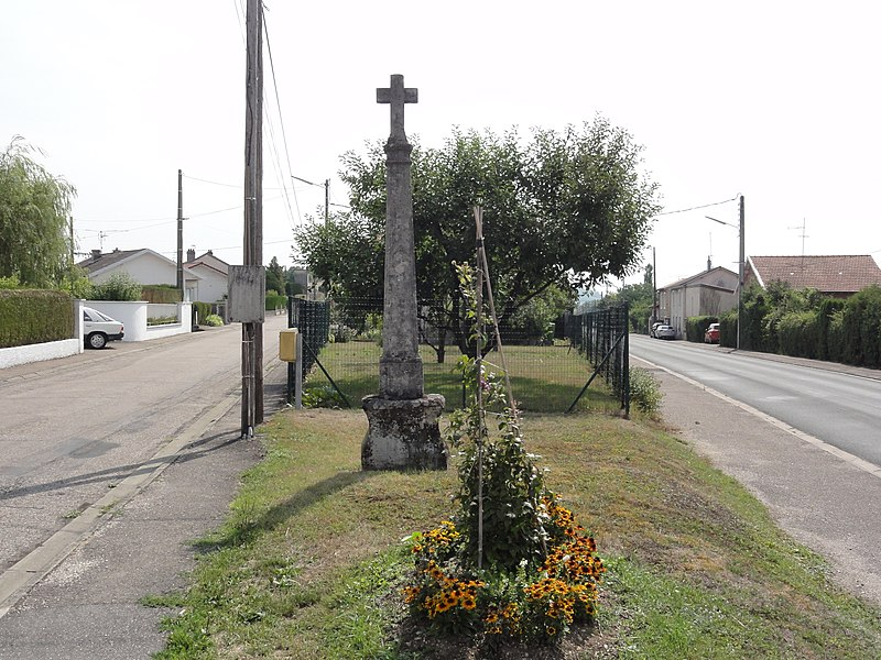 Euville (Meuse) croix de chemin A