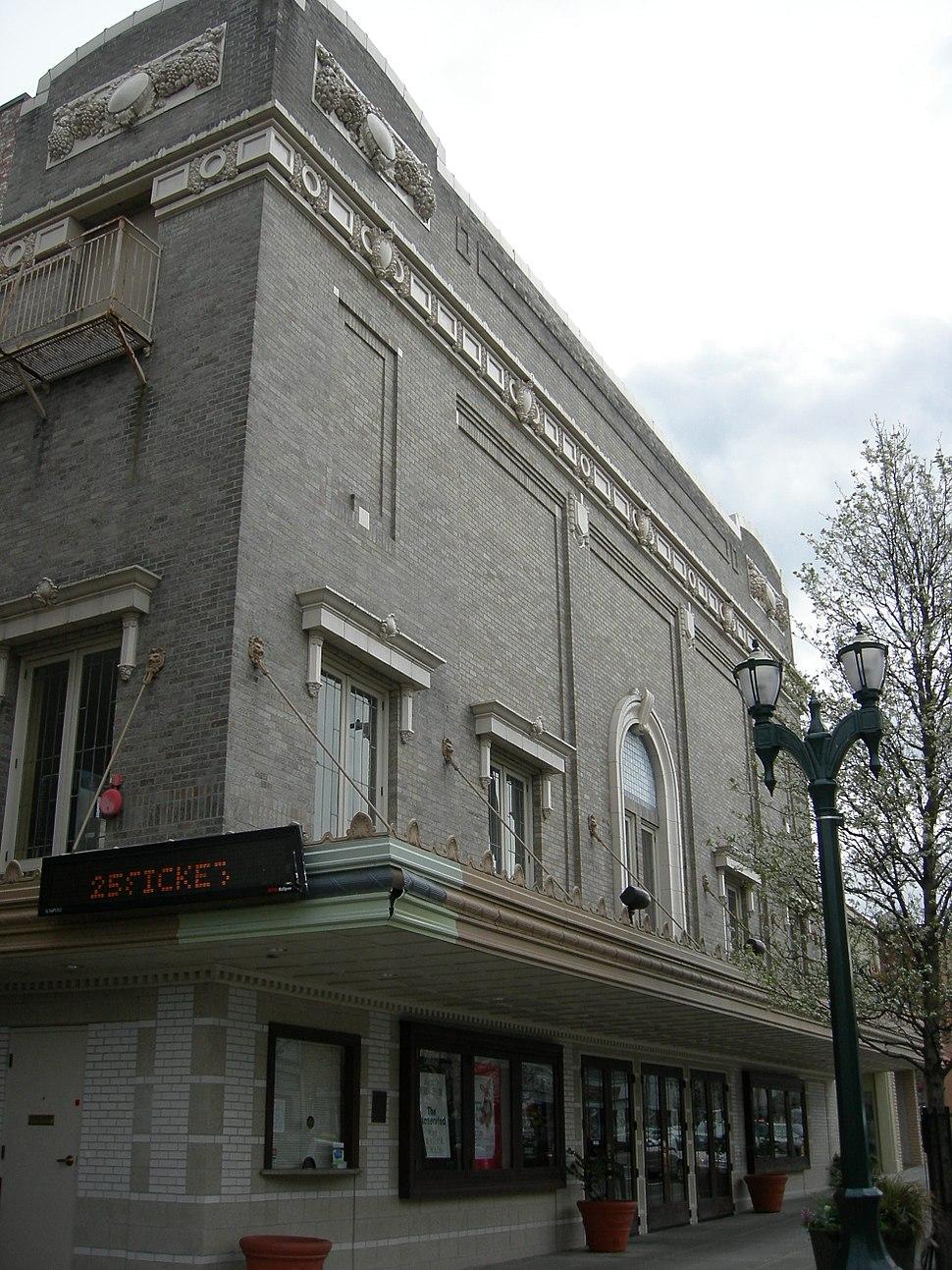 Everett Theater 02