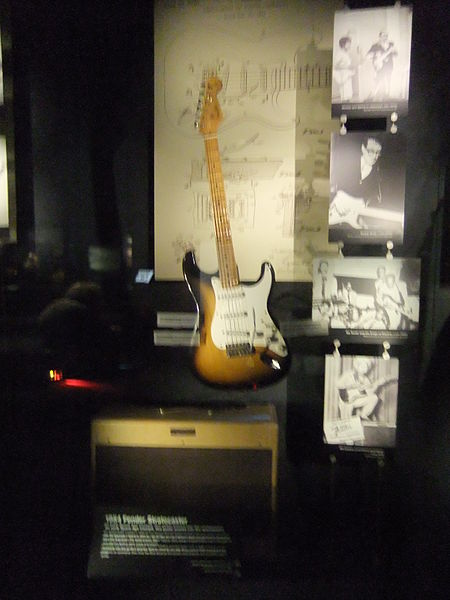 File:Experience Music Project, Science Fiction Museum, Seattle - 1954 Fender Stratocaster (9444435387).jpg
