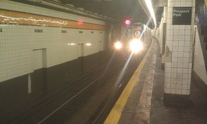 15th Street–Prospect Park (IND Culver Line) - An F train arriving