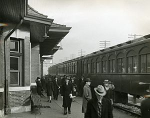 Rutherford station - Erie Railroad passengers at Rutherford station, circa 1940