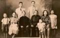 Familia china inmigrantes en decada de 1940 en republica dominicana.png