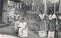 Femmes loangos civilisées-Congo Français.jpg