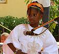 Fille en habit tradtionel Songhay du Mali.jpg