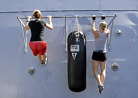 Flickr - Official U.S. Navy Imagery - Sailors work out aboard USS Green Bay..jpg
