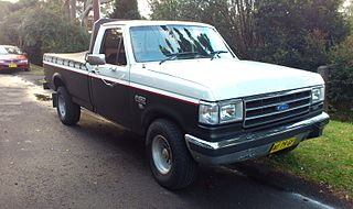 320px-Ford_F150_Custom_%282%29