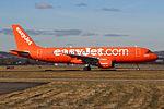 "G-EZUI A320 Easyjet ""Easyjet's 200th Airbus"" (25604756591).jpg"