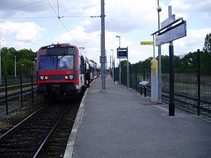 Dourdan-la-Forêt Station - Platform