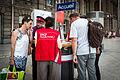 Gare de Strasbourg SNCF assistance gilets rouges 11 juin 2014.jpg