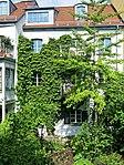 Garten im Innenhof des Valentinhauses 01.jpg
