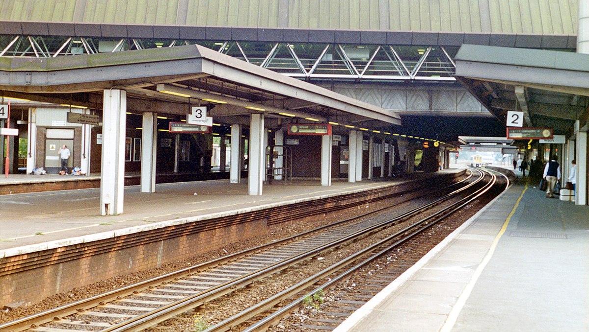 Gatwick Airport Railway Station Wikipedia