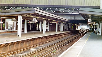 Gatwick Airport railway station - Southbound view from Platform 2 in September 1995