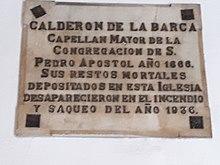 Gedenktafel für das 1936 bei einem Feuer zerstörte Grab von Pedro Calderón de la Barca in der Kirche Nuestra Señora De Los Dolores in Madrid. (Quelle: Wikimedia)