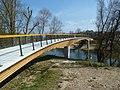Geh- und Radwegbrücke in Neckartenzlingen.jpg