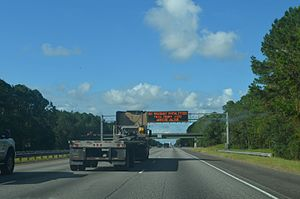 Interstate 95 in Georgia - Annual traffic fatalities variable sign over I-95 north