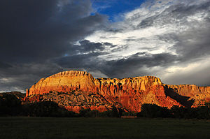 Ghost Ranch - Ghost Ranch redrock cliffs and clouds