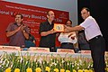 Ghulam Nabi Azad facilitating the Centurion Donor, at the inaugural function of the Voluntary Blood Donation Camp and the Sensitization Workshop on Blood Safety organised by NACO.jpg