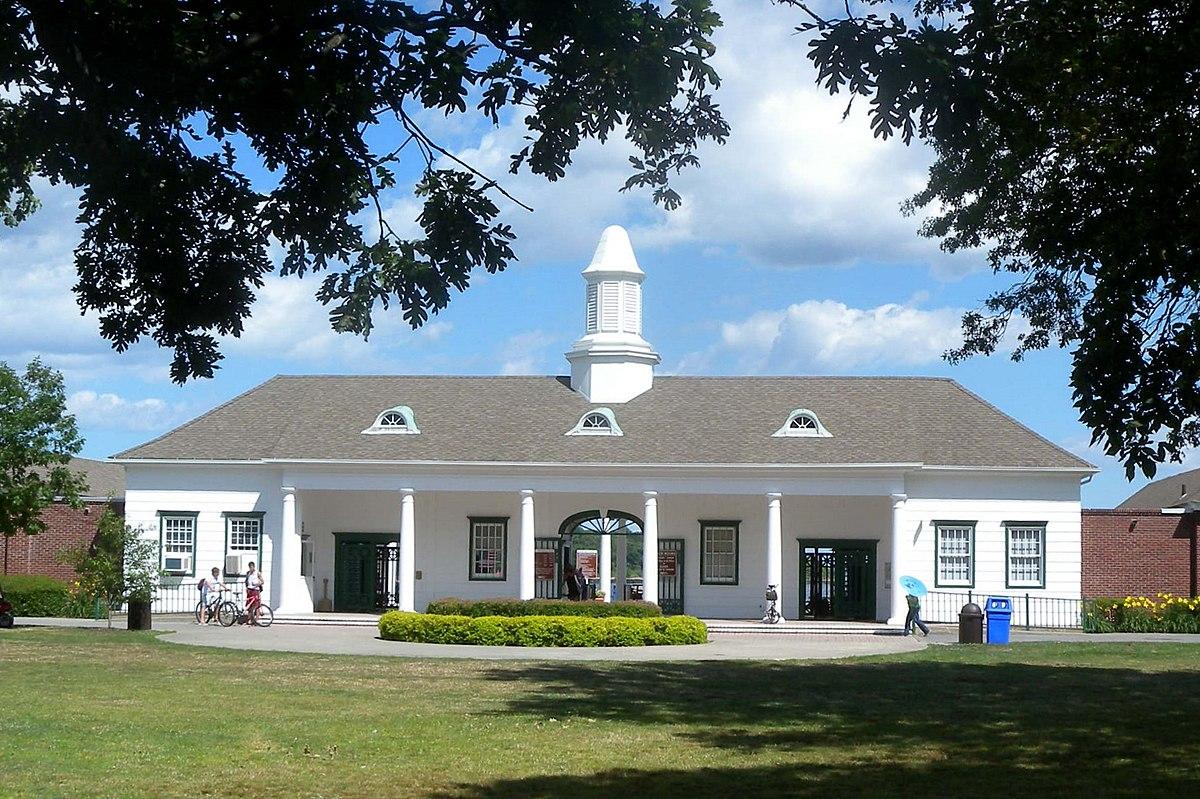glen island park bath house