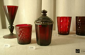 Cranberry glass - The beaker with lid made from Gold Ruby is attributed to Johann Kunckel.