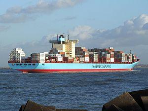 Grete Maersk p5, approaching Port of Rotterdam, Holland 29-Nov-2006.jpg