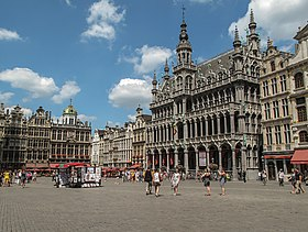 Grand place de bruxelles wikip dia for Centre du sablon piscine