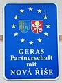 GuentherZ 2010-10-02 0227 Geras Partnerstadt Nova-Rise Tafel.jpg
