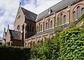H. Hartkerk (Hoboken) (België) - Zijaanzicht met kruisbeuk Oeuvre van de architecten Triphon De Smet & Frans Van Rompaey.jpg