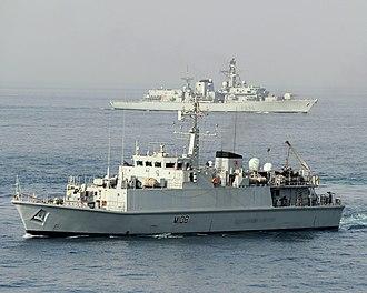 HMS Grimsby (M108) - Image: HMS Grimsby and HMS Monmouth During Exercise Khanjar Ha'ad near Oman. MOD 45153354