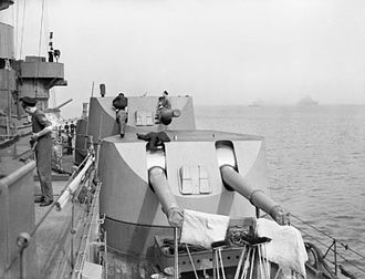 BL 6 inch Mk XXII naval gun - Gun turrets on HMS ''Rodney'', 1940
